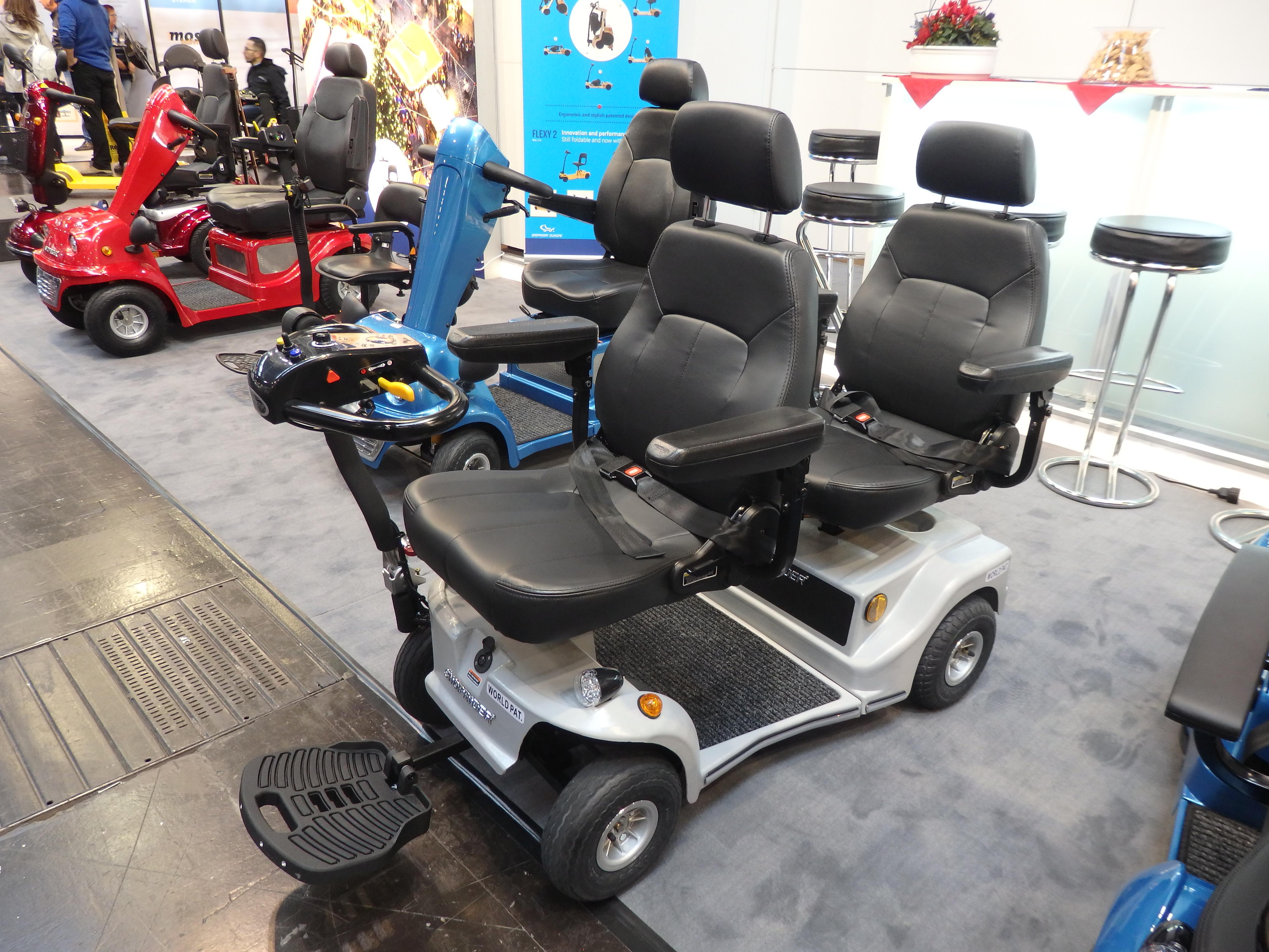 Elektrický vozík pre dve osoby