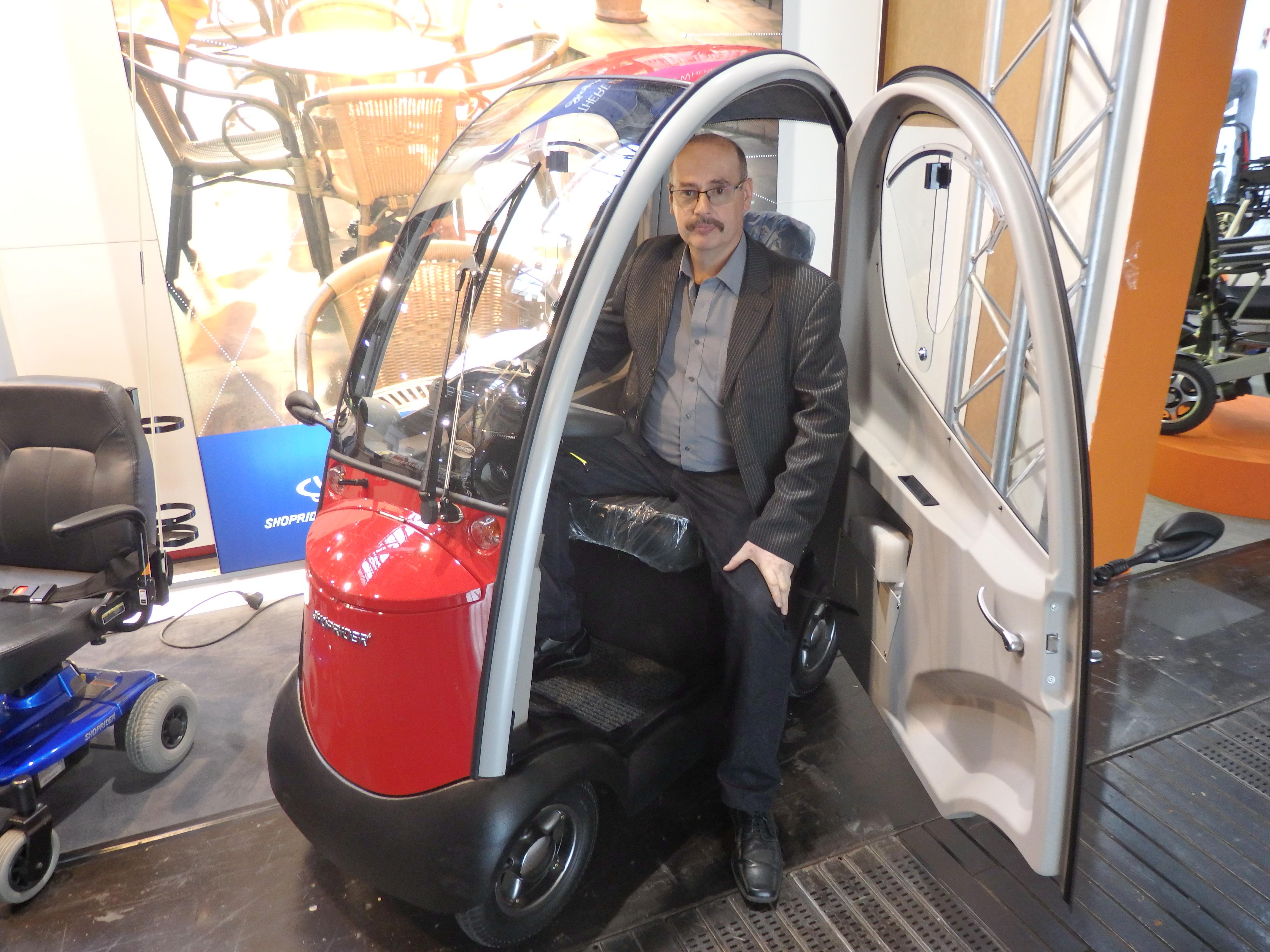 Osobné elektrické auto - Shoprider